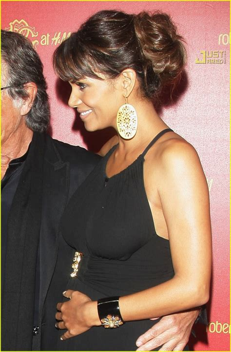 Best Maternity Style Halle Berry by Halle Belly Is Maternity Chic Photo 686541 Halle Berry