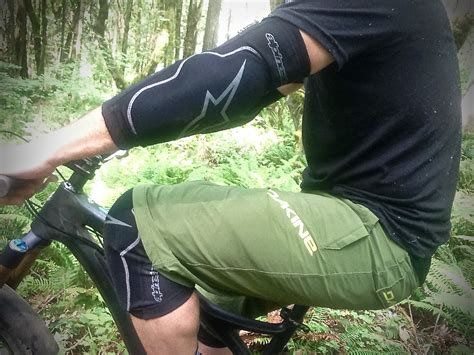 Protector Knee Mtb Mlo review alpinestars paragon knee and guards and evolution shorts singletracks mountain