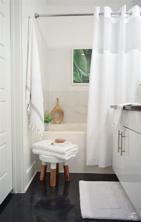 best hotels bath the best way to fold a bath towel the softest hotel bath
