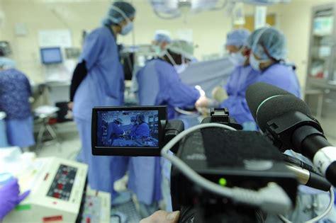 mass general hospital emergency room debate tv cameras in the er as crew in boston the boston globe