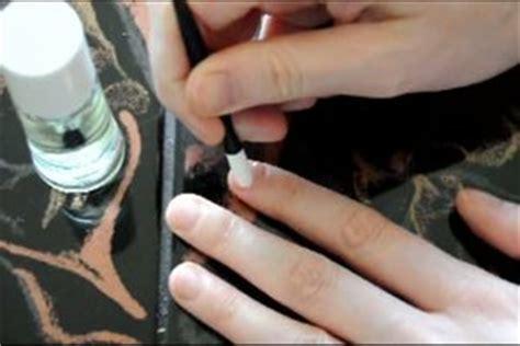 Fingernägel Polieren Wie Oft by Video Nagelhaut Entfernen So Pflegen Sie Sch 246 Ne Fingern 228 Gel