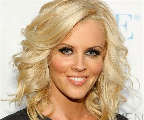 loose above shoulder length hairstyles collection of loose curls hairstyle for medium hair