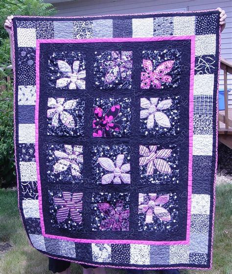 Black And Pink Quilt by Pink Black And White Quilt Embroidery And Quilting