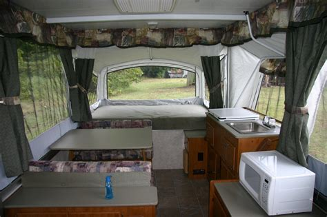 do tent trailers have bathrooms pop up cers with bathrooms www imgkid com the image
