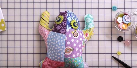gifts to make for quilter friends 37 quilted gift ideas you can make for just about anyone