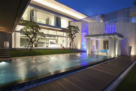 rumah mewah kekinian dengan gaya modern minimalis arsitag