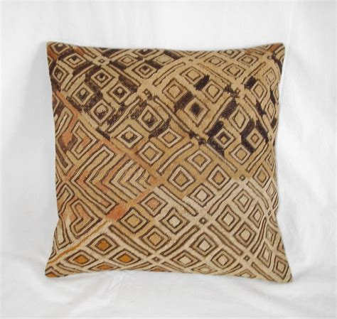 throw covers south africa 33 best images about throw pillows on