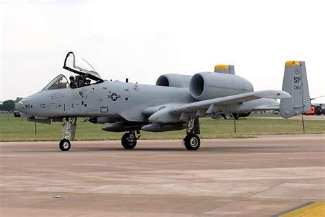 file thunderbolt a10 fairford arp jpg wikimedia commons