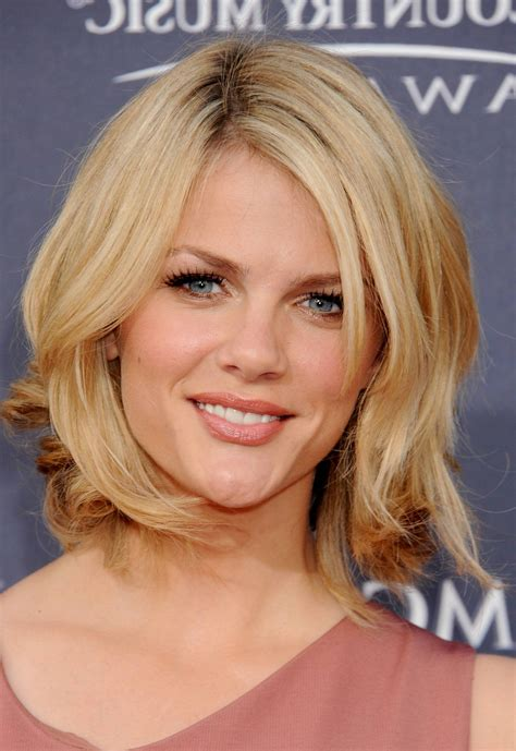 medium length hairstyles for a woman with a big nose medium to short layered haircuts shoulder length layered