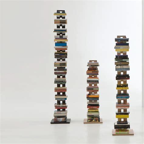 libreria a colonna design risparmia spazio con le librerie a colonna design