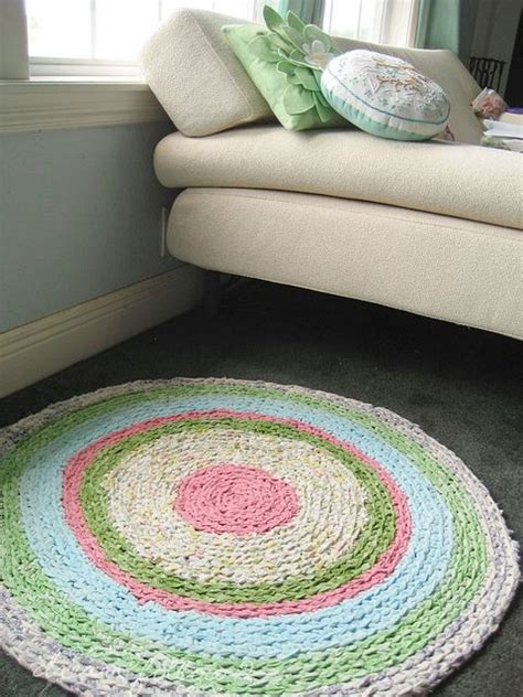 how to make rag rugs from sheets new use for sheets a rag rug diy crafts crafts