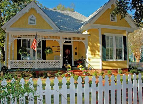 Yellow Cottage selma ala daily photo cottage