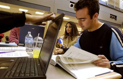 Mba Before School by How To Spend Wisely On An Mba Tribunedigital Chicagotribune