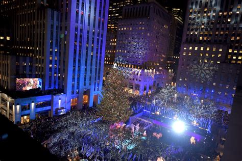 rockefeller center christmas tree lighting live rockefeller center tree lighting how to livestream the event curbed ny