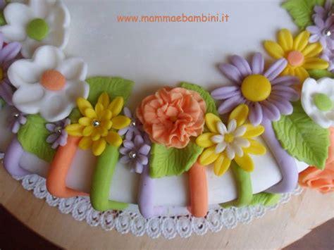 torte compleanno con fiori torta decorata con fiori mamma e bambini