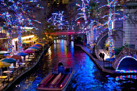 holiday lights on the riverwalk san antonio christmas lights in san antonio san antonio river walk