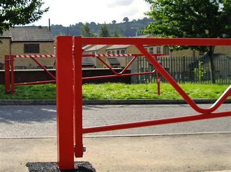 manual swing gate manual swing gates bing images