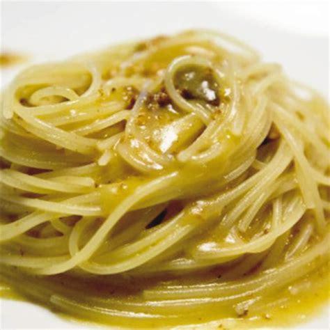 cucinare ricci di mare spaghettini con ricci di mare al profumo di limone