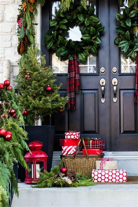 creative front porch christmas decorations  garden glove