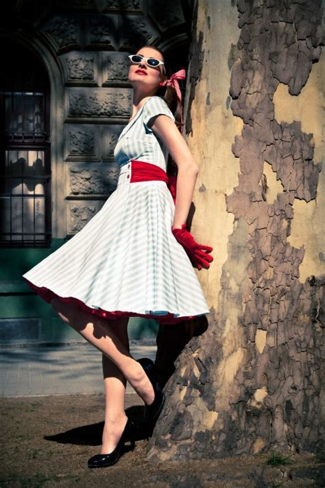 Swing Style Kleidung by Ticci Rockabilly Clothing Pinup Fashion