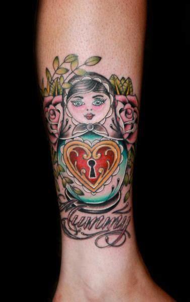 tatuaż noga matrioszka kł 243 dka przez fatink tattoo