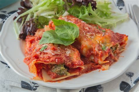 italian cooking 130 authentic italian recipes that are easy to cook and that the whole family will books vegetable lasagna roll ups recipe genius kitchen
