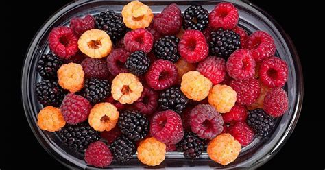 carbohydrates raspberries health benefits of raspberries nutritional facts and