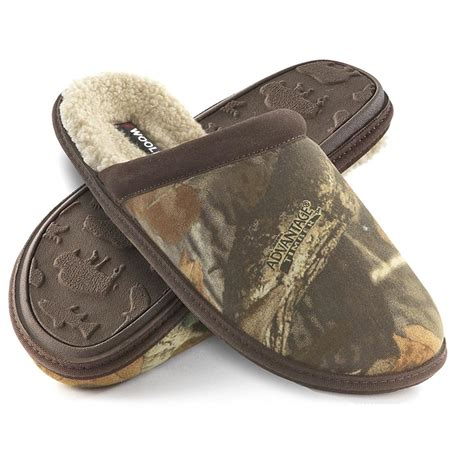 woolrich house shoes men s woolrich 174 huntsman scuff slippers 175194 slippers at sportsman s guide