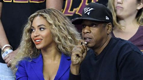 beyonce hairstyles games jay z beyonce at game 6 of nba finals creepy fan pulls