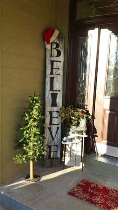 christmas porch decorations 25 ideas to decorate your home with recycled wood this