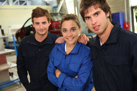 diesel mechanic salary and career in canada diesel