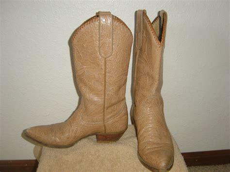 steamboat yard sale vintage ladies larry mahan cowboy boots in royalrags