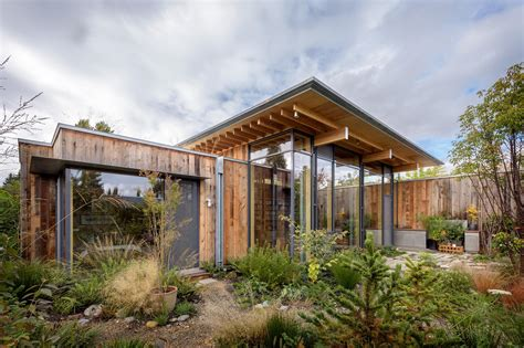 cabin city city cabin architect magazine kundig seattle