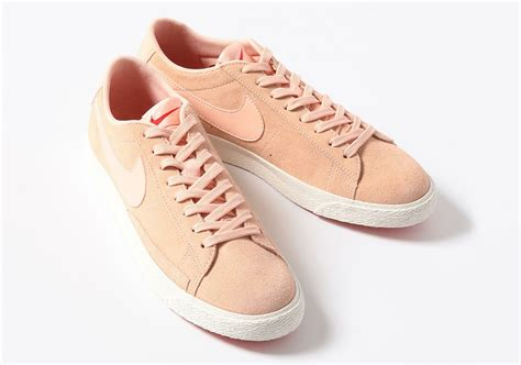 Nike Blazer Low Suede Pink youth nike blazer low pink suede release date