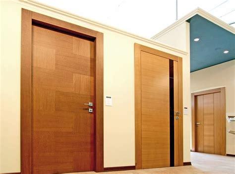 montare pavimento laminato porte in laminato da montare le porte caratteristiche