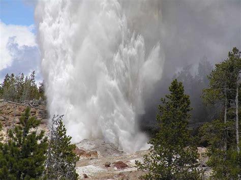 steamboat geyser world s tallest geyser erupts in yellowstone yellowstone