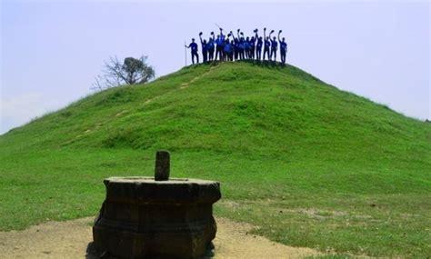 wisata candi abang wisata jogja lengkap  bukit