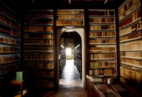 libreria comunale la biblioteca della basilica di san bernardino siena folia