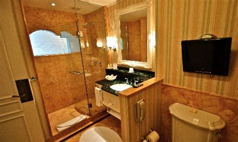 Club Bathroom by Kingdom Club Room Picture Of Hong Kong Disneyland Hotel