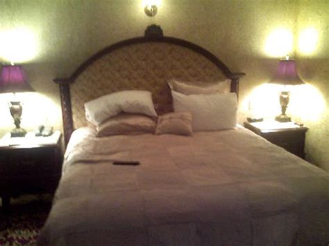 tuscany bedroom suite tuscany suite bedroom picture of peppermill resort spa casino reno tripadvisor