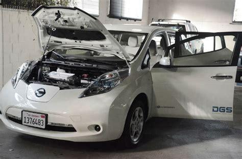 nissan leaf garage door opener california s dgs plugs in to electric vehicles charging