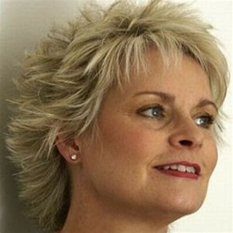 short hairstyles for older women with double chin hair