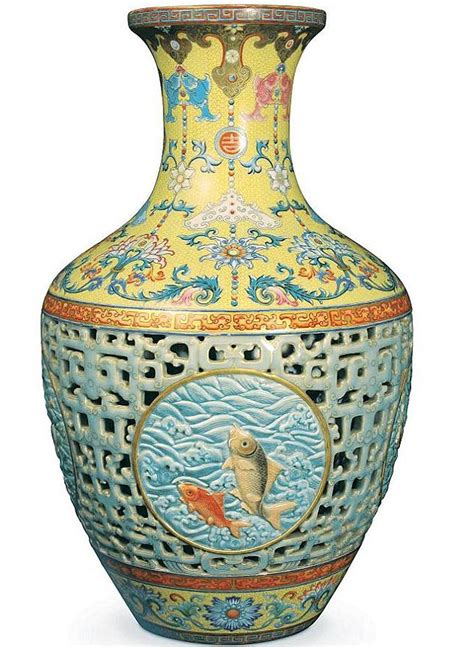 chinesische vase 163 53m vase was kept on wobbly bookcase and insured