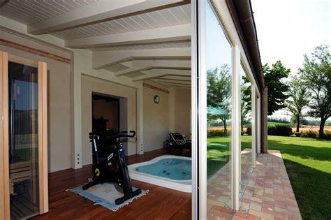 veranda chiusa in legno verande in legno a lucca e toscana la pergola s r l