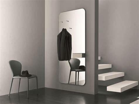 specchio con portaoggetti ideale per l ingresso di casa