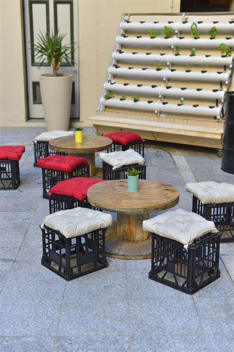 25  best ideas about Milk crate seats on Pinterest   Milk