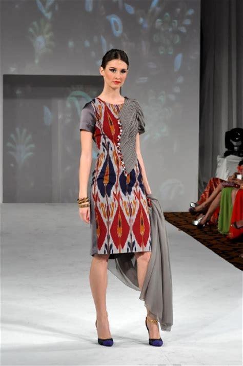 Dress Tenun Ntt Kombinasi cantiknya koleksi busana tenun ikat republika