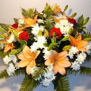 consegna fiori all estero consegna fiori estero composizione fiori funerale