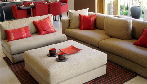 come rivestire divano riciclare i pallet come fare un divano con bancali di legno