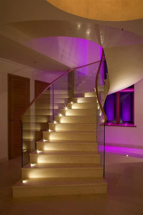 led für vitrinenbeleuchtung design treppe licht